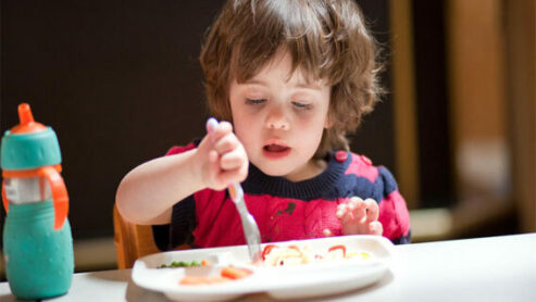 How to get a 3-year-old to eat?